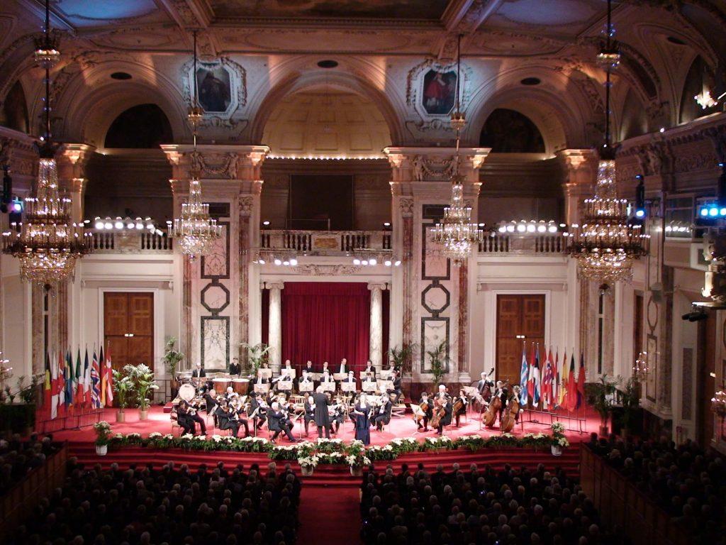 Wiener_Hofburg_Orchester_Hofburg_Festsaal1 (1)
